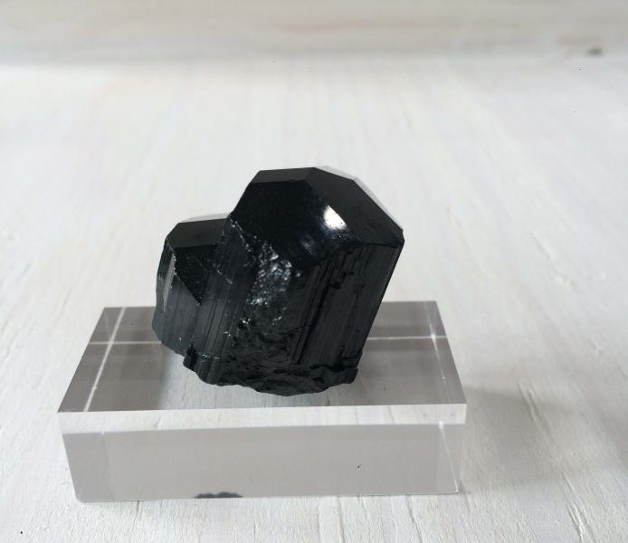 Black Tourmaline Medium – Natural